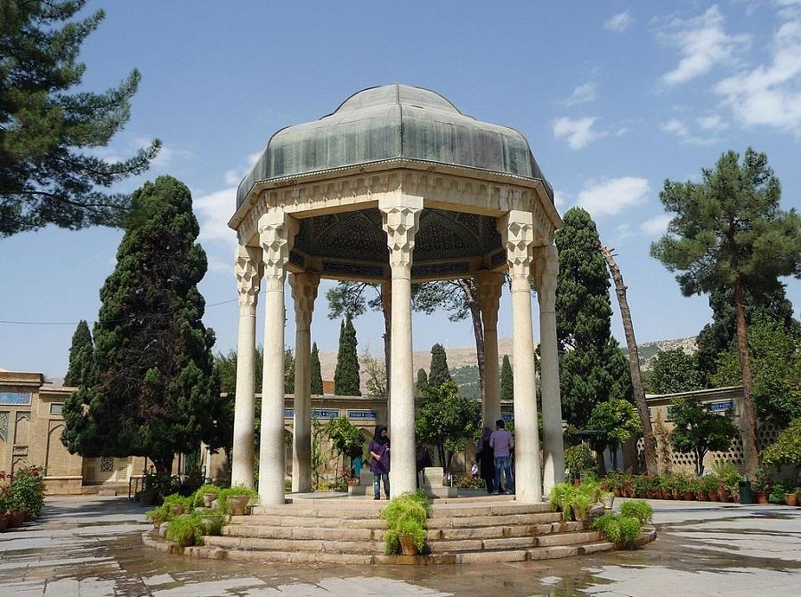 15 اردیبهشت روز شیراز