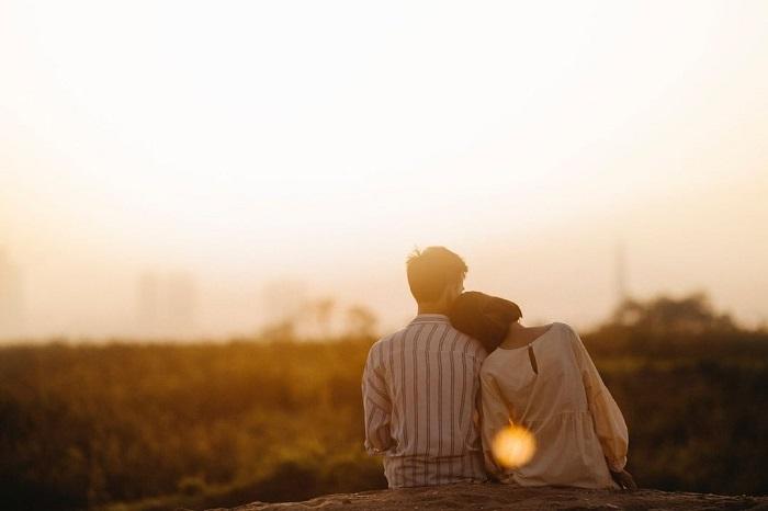 چرا عشق ما را احمق و غیر منطقی می کند