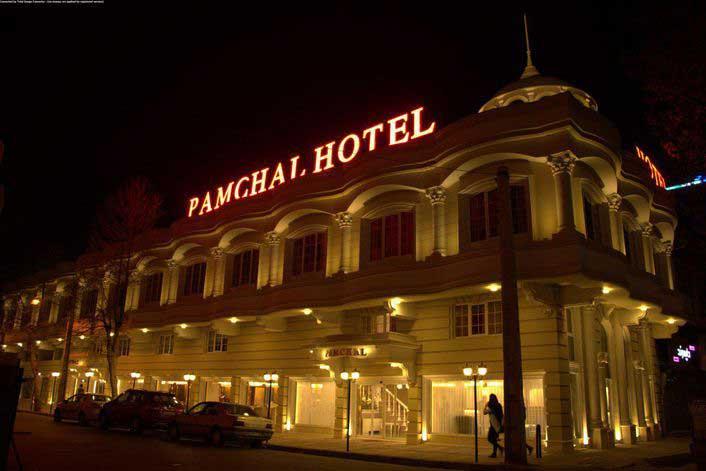 لیست هتل های رشت با دسته بندی قیمت و امکانات