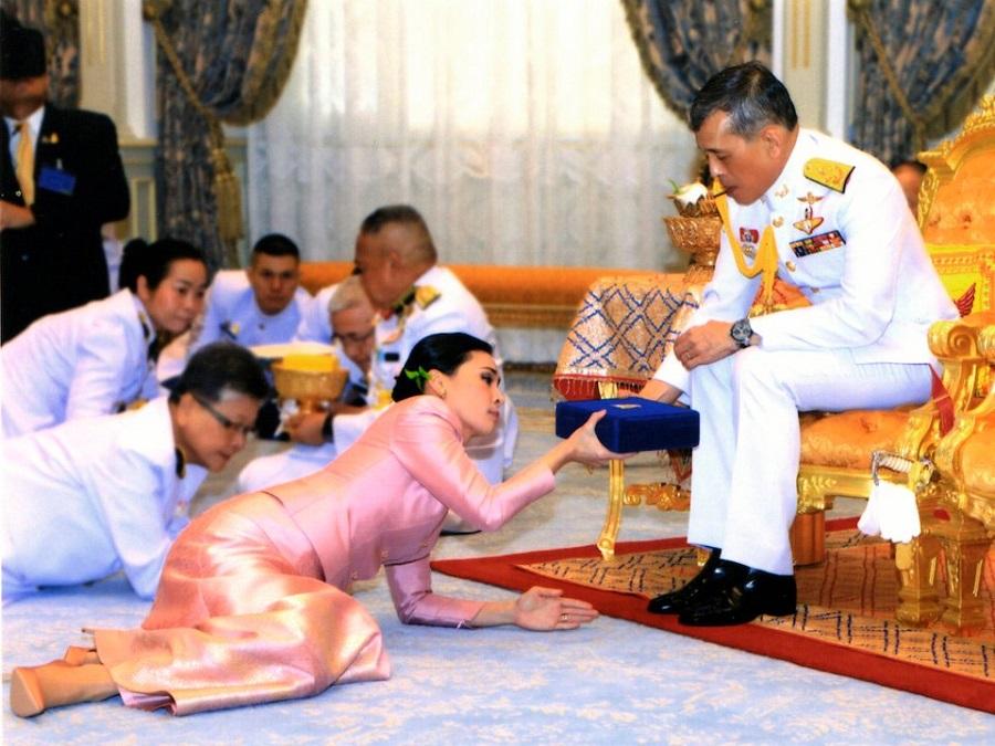 لباس عروس های خاندان های سلطنتی