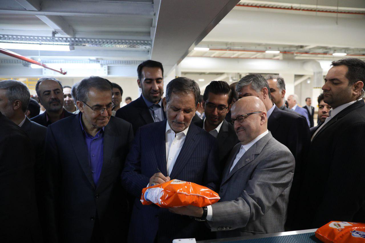 با حضور جهانگیری، جدیدترین کارخانه مواد شوینده کشور به بهرهبرداری رسید