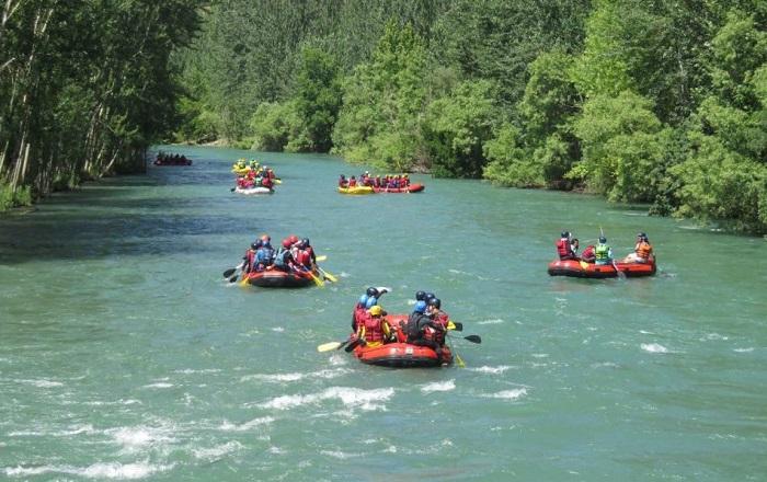 سفرهای ماجراجویانه تابستانی: رفتینگ در رودخانههای خروشان ایران