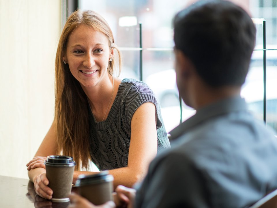 چگونه در نخستین ملاقات تاثیری مثبت از خود در ذهن طرف مقابل ایجاد کنیم؟