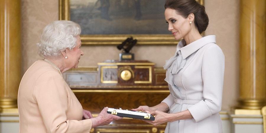 سلبریتی هایی که از ملکه بریتانیا نشان سلطنتی دریافت کرده اند