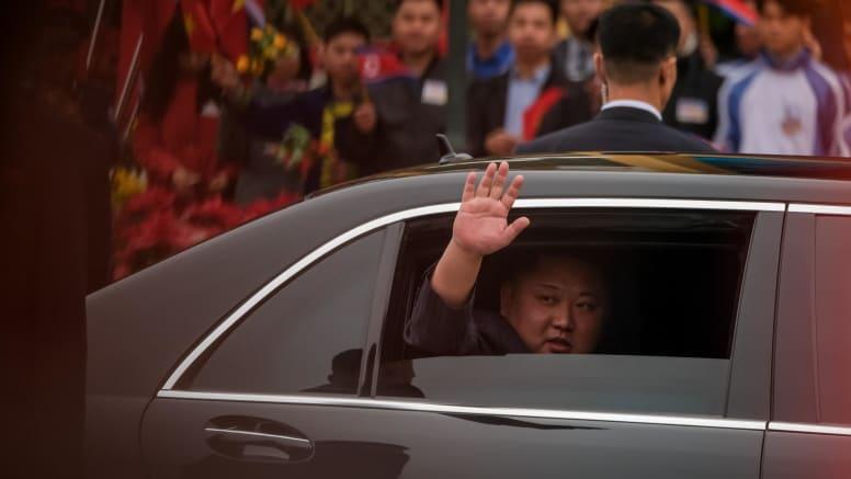 چگونه رهبر کره شمالی علیرغم تحریمهای بین المللی به مرسدس بنزهای مدرن دست یافته است؟