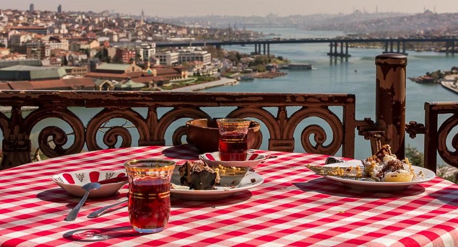مقصدهای گردشگری رایگان در استانبول، مسکو و آنتالیا