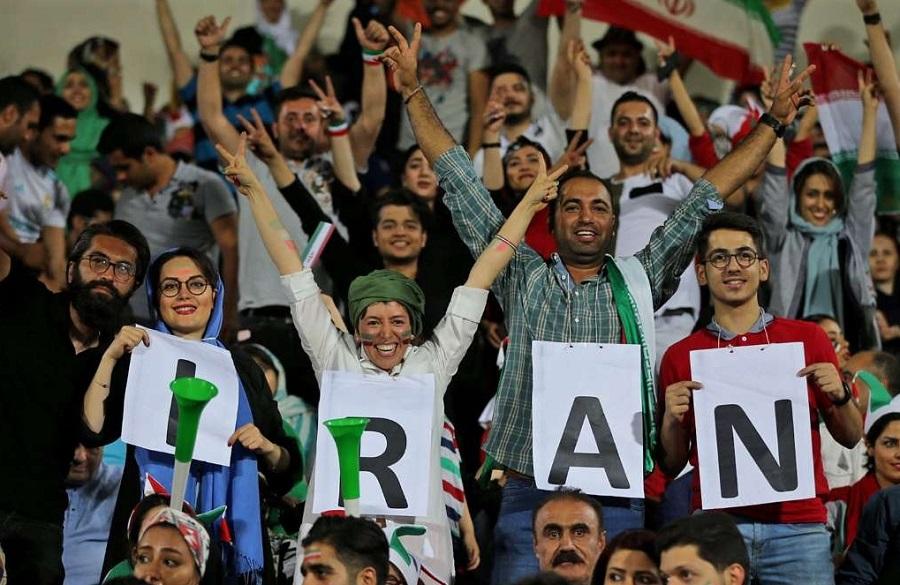 ۹ شهریور: آخرین مهلت فیفا برای حضور بانوان ایران در استادیومها