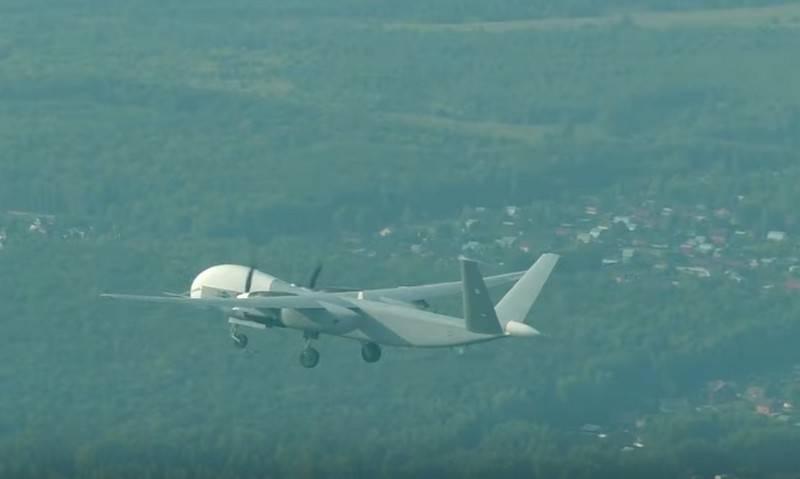 وزارت دفاع روسیه بالاخره طراحی و ساخت نمونه اولیه پهپاد Altius-U، که نسخه روسی پهپادهای آمریکایی RQ-4 Global Hawk و Predator به شمار می آید را به اتمام رسانده است