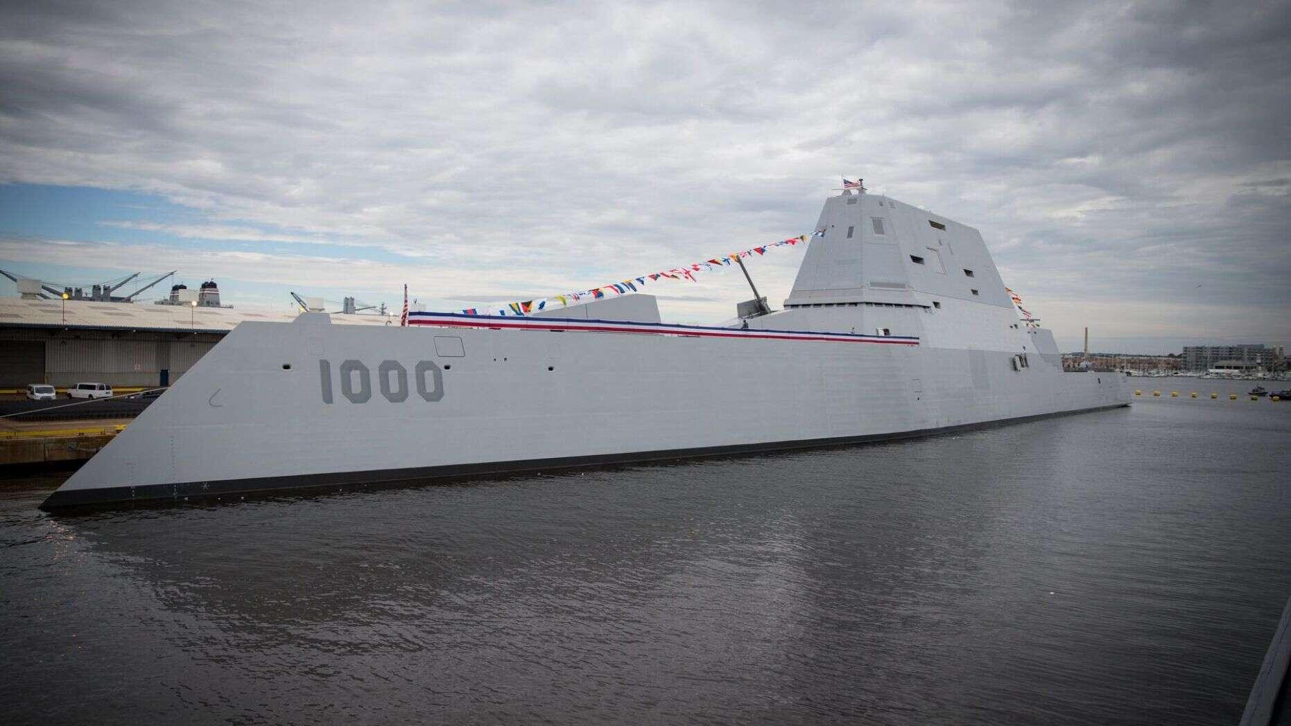 ناوشکن های کلاس USS Zumwalt با قابلیت حمل موشک های هدایت شونده، یکی از جاه طلبانه ترین و مدرن ترین طرح های کشتی های جنگی امروزی است که از هر جهت از همتایان خود توانمندترند.