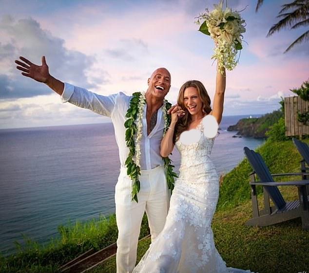 دواین «راک» جانسون بالاخره با شریک زندگی خود در بیش از یک دهه اخیر، لورن هاشیان، ازدواج کرد.