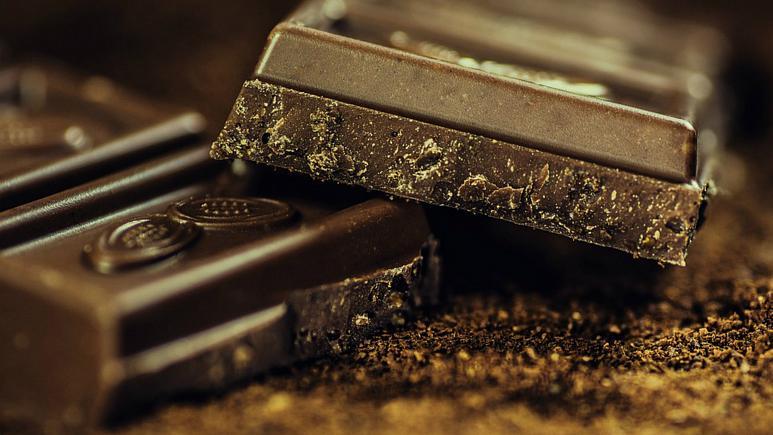 شکلات تلخ افسردگی را کم می کند