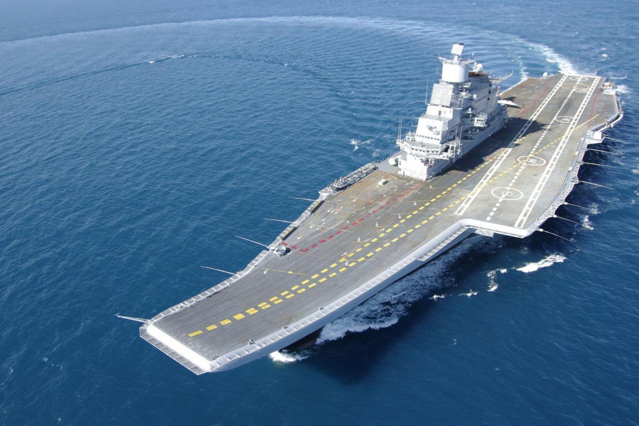 تنها تعداد انگشت شماری کشور توانایی ساخت ناوهای هواپیمابر را دارند در حالی که نمونه هایی وطنی از این کشتی های غول پیکر در کشورهای ایالات متحده، بریتانیا، چین، هند و ایتالیا اکنون در حال ساخت هستند.