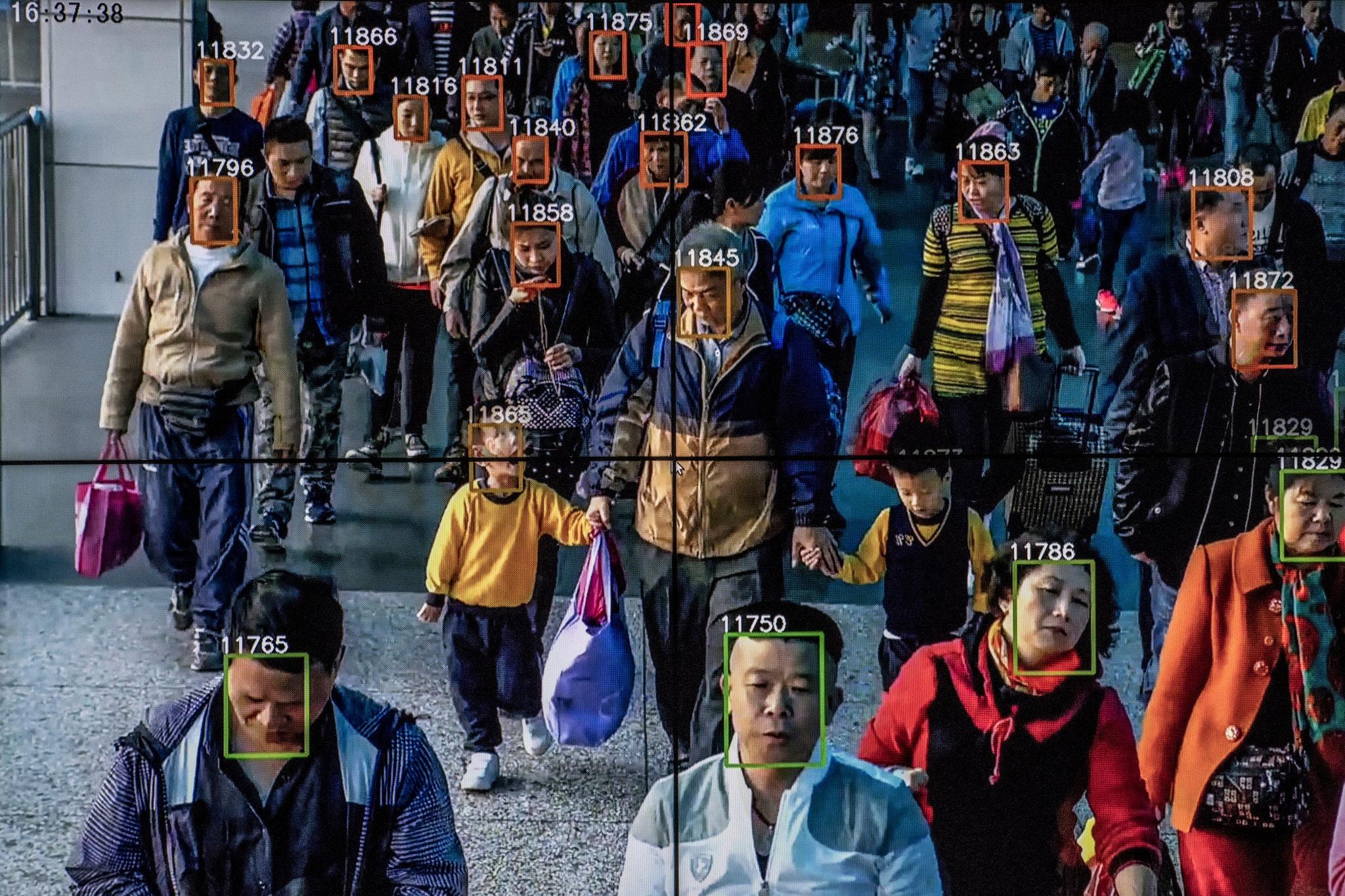 شهرهای چین تحت نظرترین و امنیتی ترین شهرهای جهان هستند که بیشترین تعداد دوربین مدار بسته به ازای هر شهروند را در خود دارند.