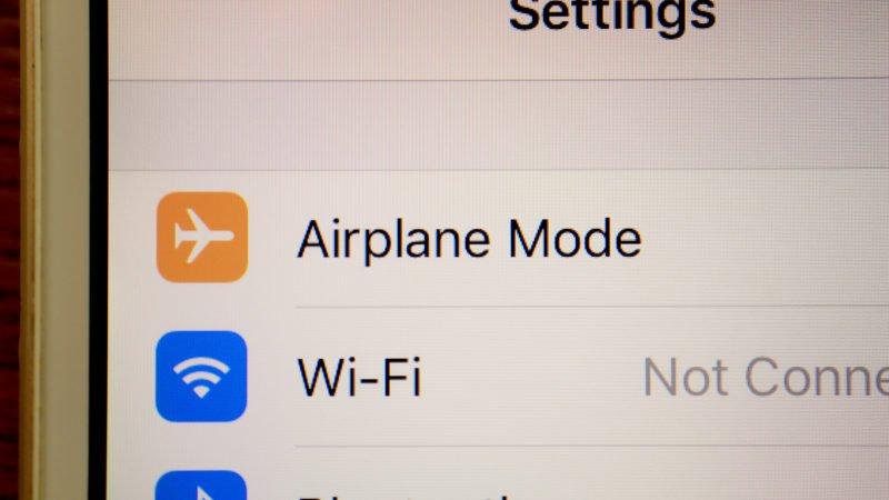 حالت هواپیما تلفن همراه در هواپیما