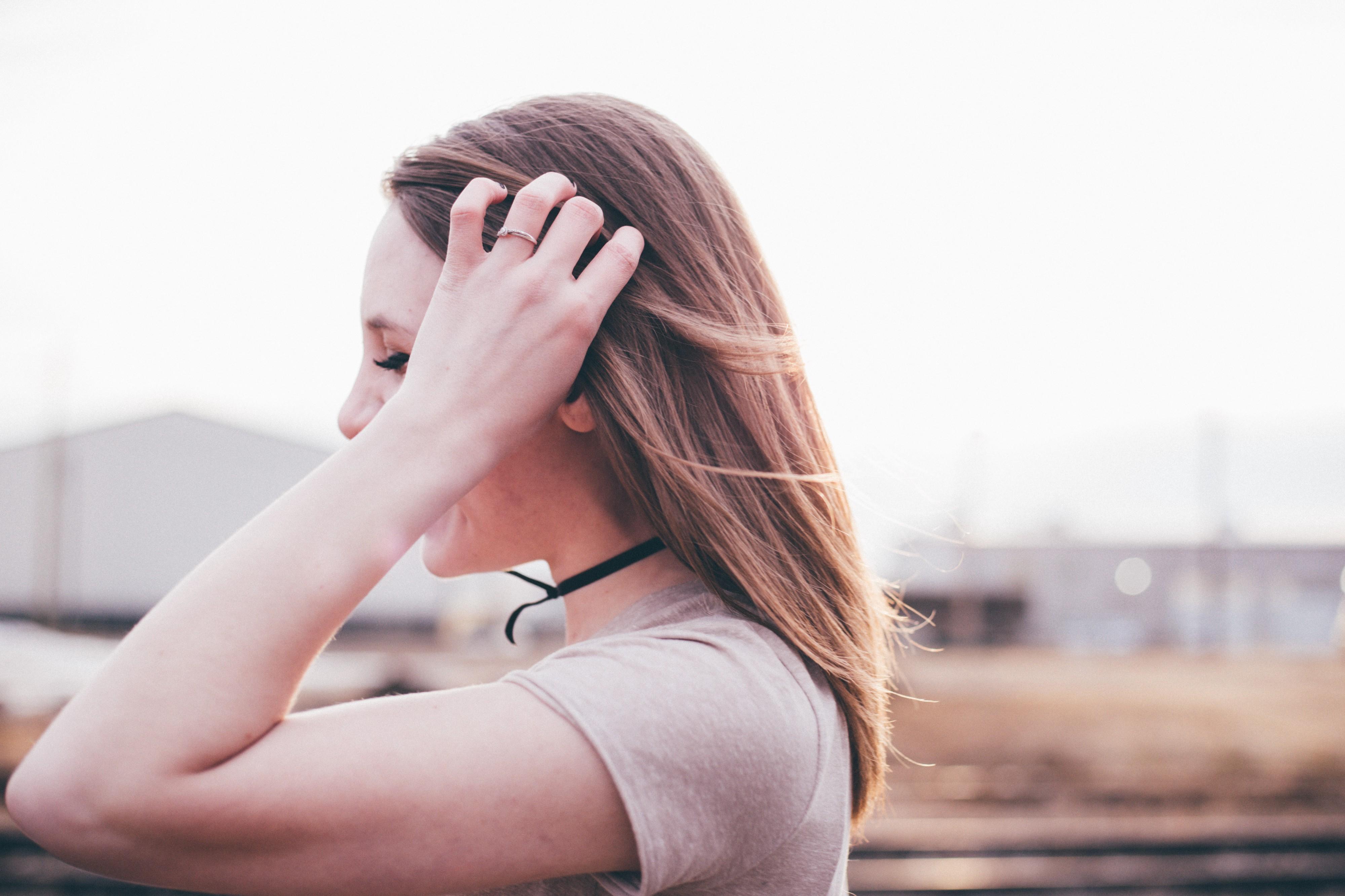 ترفندهای روانشناسی که کمک میکنند عادتهای بد خود را کنار بگذارید