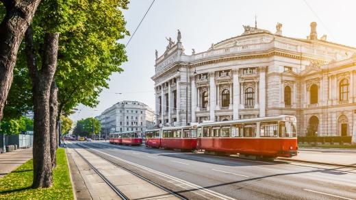 بر اساس نمایه ای که توسط واحد اطلاعات مجله اکونومیست هر ساله در مورد بهترین شهرهای جهان برای زندگی کردن منتشر می شود شهر وین بهترین شهر جهان برای زندگی است.