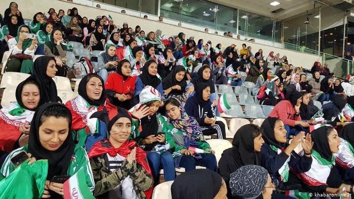 ممنوعیت ورود زنان به ورزشگاه