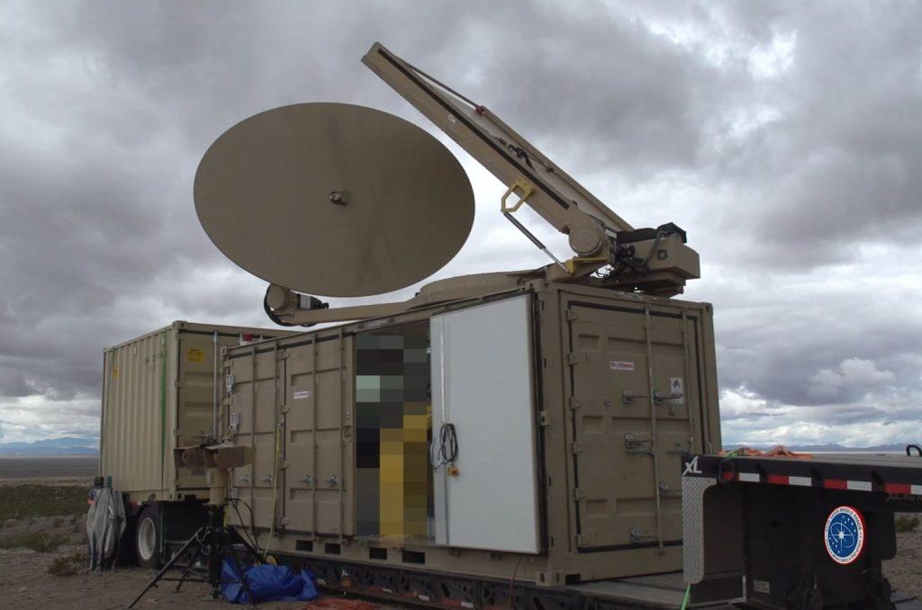 سیستم ضد پهپادی PHASER از امواج مایکروویو برای ناتوان سازی پهپادهای کلاس یک و دو استفاده می کند، پهپادهایی که وزنی کمتر از 55 پوند (تقریباً 25 کیلوگرم) داشته و در ارتفاع 1.200 تا 3.500 پایی با سرعت های بین 100 تا 200 گره (185 تا 370 کیلومتر بر ساعت) پرواز می کنند.