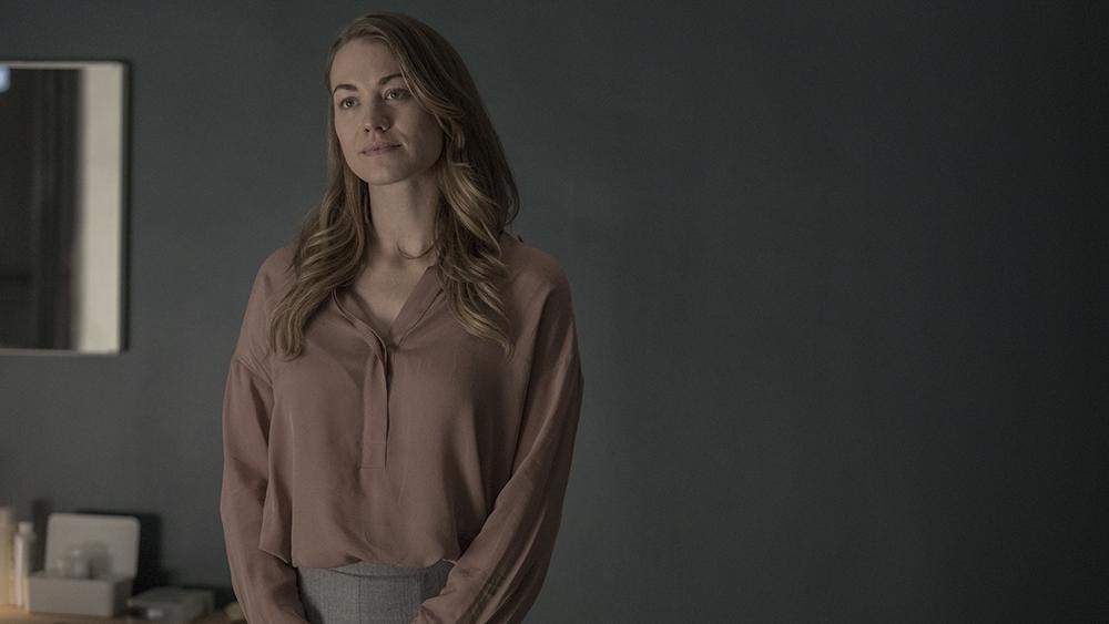 سریال «سرگذشت ندیمه» (The Handmaid's Tale) که بر اساس رمانی پرفروش از مارگارت اتوود به همین نام ساخته شده از همان فصل اول خود که در سال 2017 از شبکه Hulu منتشر شد