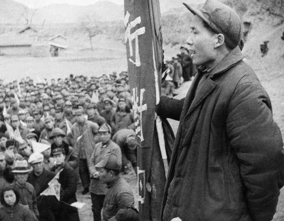 هفتادمین سالگرد تاسیس جمهوری خلق چین توسط حزب کمونیست این کشور روزی بسیار مهم است که هر ساله در اول ماه اکتبر به طور گسترده جشن گرفته می شود.