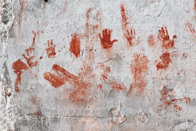 ایران باستان نیز مانند بسیاری از تمدن های دیگر روش های خاص خود برای اجرای عدالت و مجازات مجرمان را داشت که در ادامه به تعدادی از دردناک ترین آن ها اشاره خواهیم کرد.