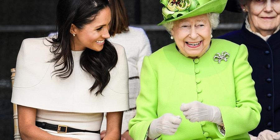 ۷ باری که ملکه بریتانیا قوانین پروتکل سلطنتی را زیر پا گذاشت