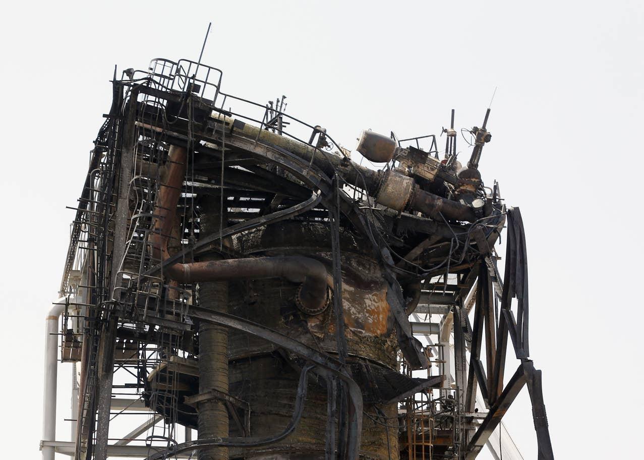 در تصاویر و ویدیوهای کوتاهی که در ساعات اخیر منتشر شده، میزان صدمات و خسارات ناشی از حملات پهپادی به دو مجتمع نفتی عربستان سعودی در اوایل هفته گذشته به نمایش درآمده است.