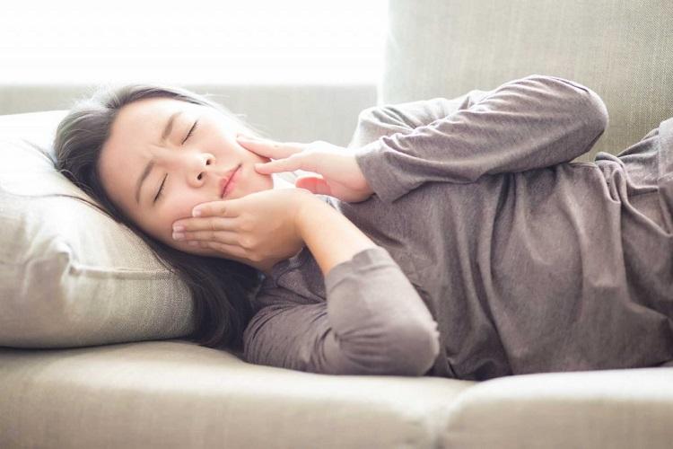 نشانه های پوسیدگی دندان