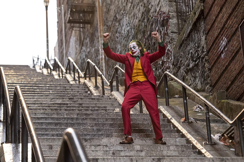 ۱۰ فیلم هیجانانگیزی که علاقمندان به «جوکر» باید حتماً ببینند؛ از «راننده تاکسی» تا «خماری»
