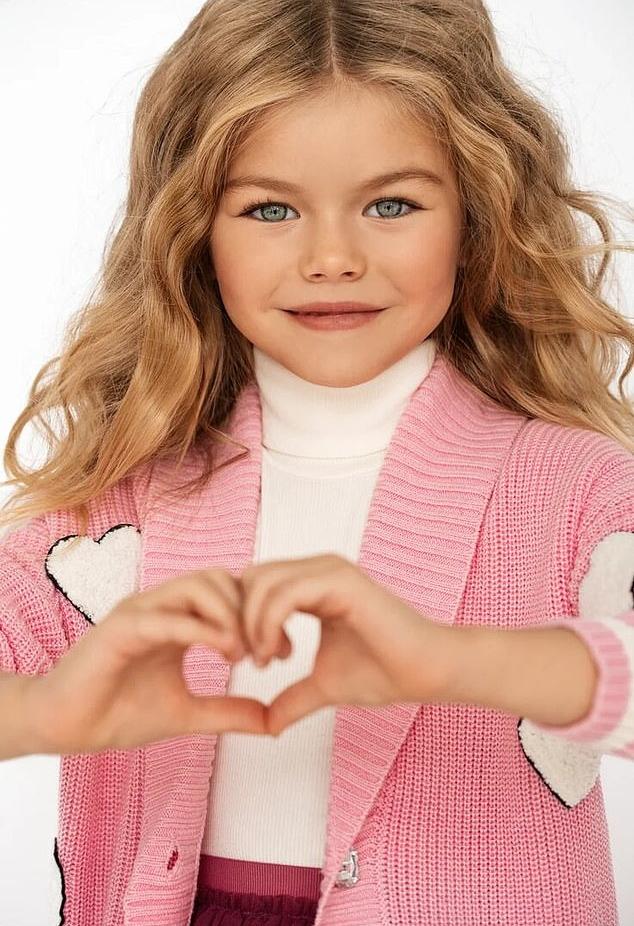 یک کودک مدل بسیار زیبای روسی که بسیاری او را «زیباترین دختر جهان» لقب داده اند بیش از 22.000 فالوور در اینستاگرام دارد. آلینا یاکوپووا (Alina Yakupova)، 6 ساله و اهل مسکو از سن 4 سالگی وارد عرصه مدلینگ شده