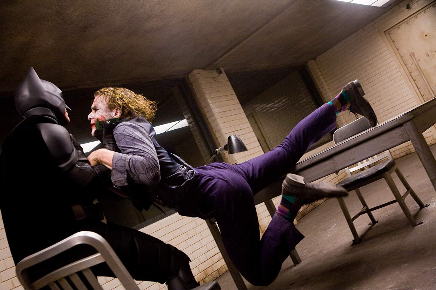 فیلم «جوکر» (Joker) با بازی خواکین فینیکس که اولین تصویرسازی این شخصیت در نقش اصلی یک فیلم در دنیای دی سی است مورد استقبال بی سابقه منتقدان سینمایی و سینماروها قرار گرفته و در همان چند روز اول اکران نیز در باکس آفیس رکوردشکنی کرد.