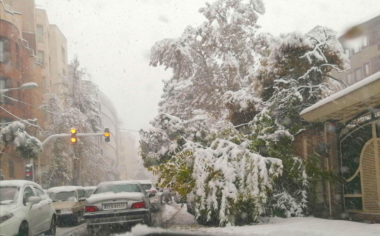 بارش برف پاییزی و بنزین 3000 تومانی