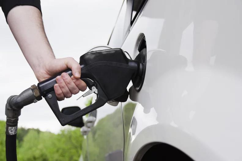 ارزانترین و گرانترین بنزین در جهان؛ مقرونبهصرفهترین قیمتها در مقایسه با درآمد روزانه