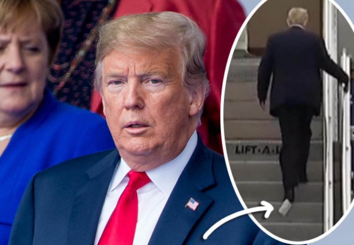 «دونالد ترامپ» و چالش دوباره راه رفتن با دستمال توالتی که به کفشش چسبیده است