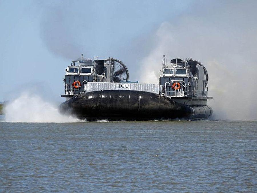 نیروی دریایی ایالات متحده در حال آزمایش نسل جدید هاورکرافت باری خود است که مزیت های قابل توجهی نسبت به نمونه های قبلی دارد.