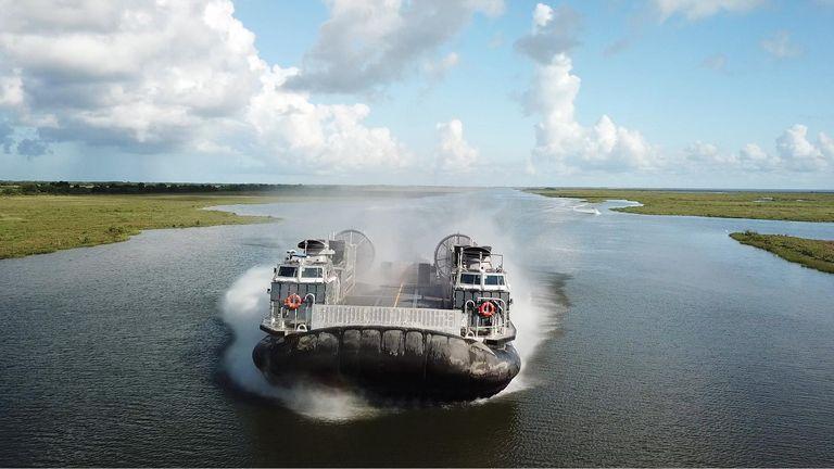هاورکرافت جدید نیروی دریایی ایالات متحده با توان حمل تانک های سنگین و ۱۸۰ سرباز
