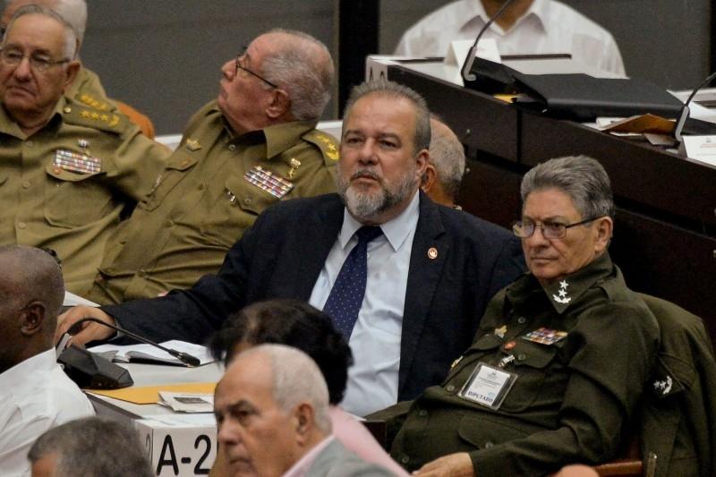میگل دیاز-کانل، رییس جمهور کوبا، روز شنبه گذشته مانوئل ماررو کروز که وزیر توریسم کشور بود را به عنوان اولین نخست وزیر کشور از سال 1976 تاکنون انتخاب کرد