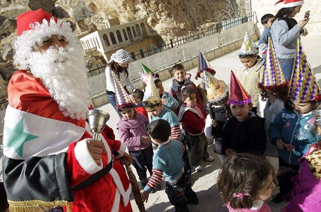 در ادامه این مطلب می خواهیم شما را با برخی از سنت های نادر و عجیب و غریب کریسمس و جشن سال نو میلادی در سراسر جهان آشنا کنیم.