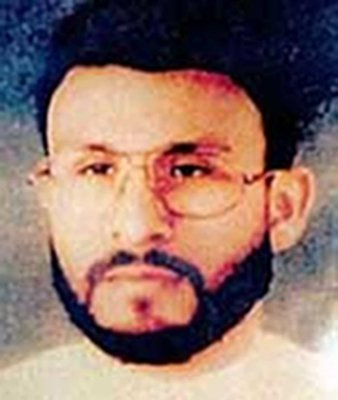 ابوزبیده یک مرد پاکستانی بود که پس از حملات تروریستی یازده سپتامبر در خانه اش دستگیر شده و سال ها در زندان گوانتانامو تحت انواع شکنجه و بازجویی قرار داشت.