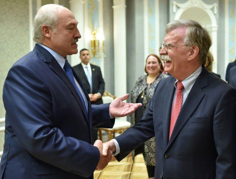ولادیمیر پوتین در یکسال اخیر تلاش و فشار خود برای الحاق بلاروس به روسیه را افزایش داده اما الکساندر لوکاشنکو تاکنون در برابر این خواسته مقاومت کرده است.