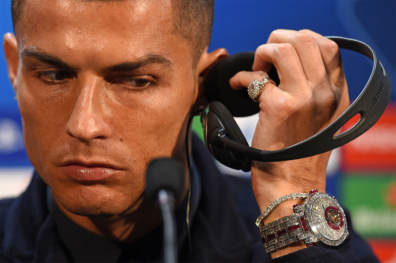 به بهانه ساعت نیم میلیون دلاری کریستیانو رونالدو قصد داریم شما را با 22 ساعت گرانقیمتی که توسط مشهورترین ورزشکاران کنونی جهان پوشیده می شوند آشنا کنیم.