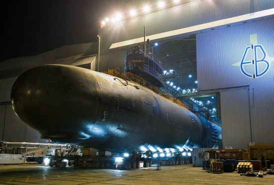 نیروی دریایی ایالات متحده روز دوشنبه بزرگ ترین قرارداد تاریخ خود را بست که به 9 زیردریایی بسیار پیشرفته به ارزش 22 میلیارد دلار مربوط می شود.
