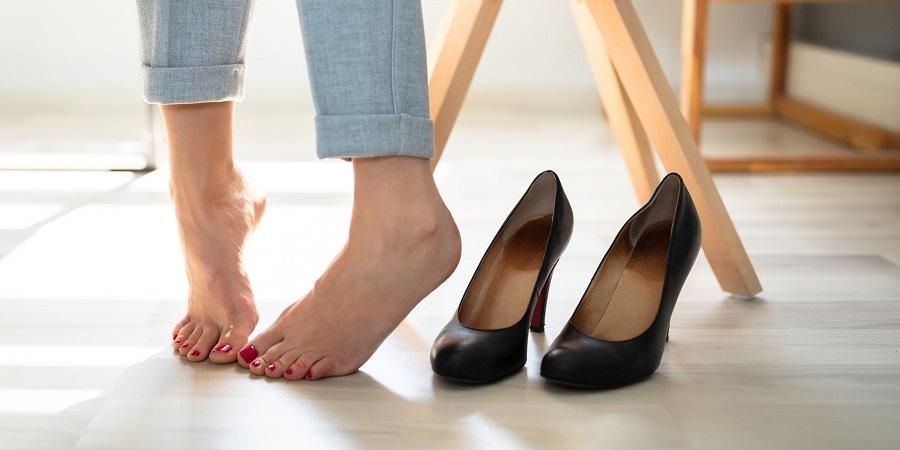 پوشیدن کفش پاشنه بلند دقیقاً چه بلایی سر بدن می آورد؟