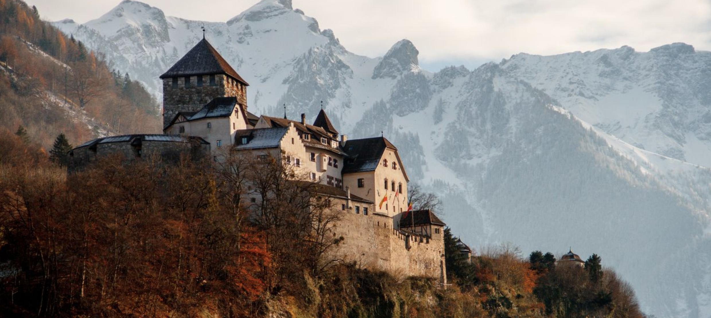 ۱۱ واقعیت جالب در مورد لیختن اشتاین؛ کشوری کوچک در اروپا که بدهی و فرودگاه ندارد