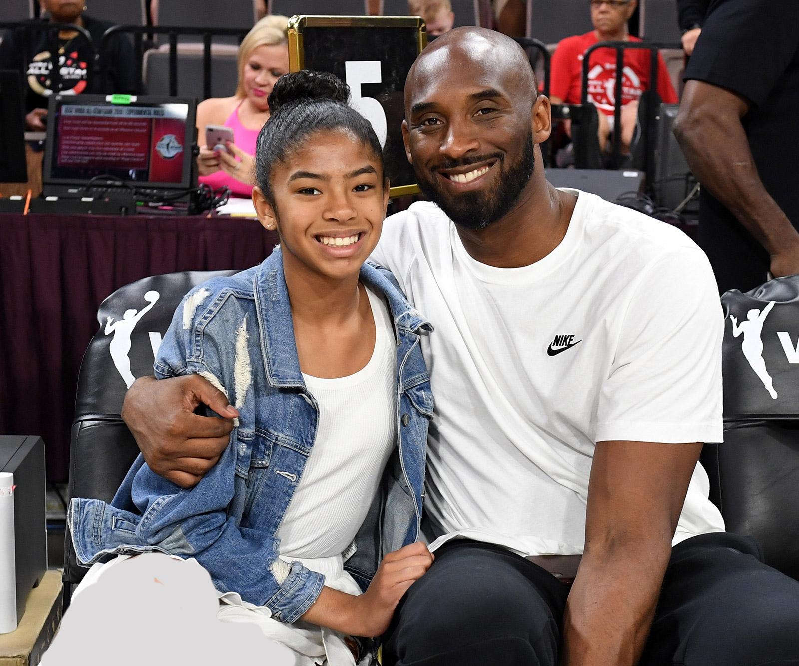دیشب خبر رسید که هلیکوپتر متعلق به کوبی برایانت (Kobe Bryant)، اسطوره بسکتبال انبیای، سقوط کرده و همه سرنشینان از جمله دختر سیزده ساله وی کشته شدهاند.