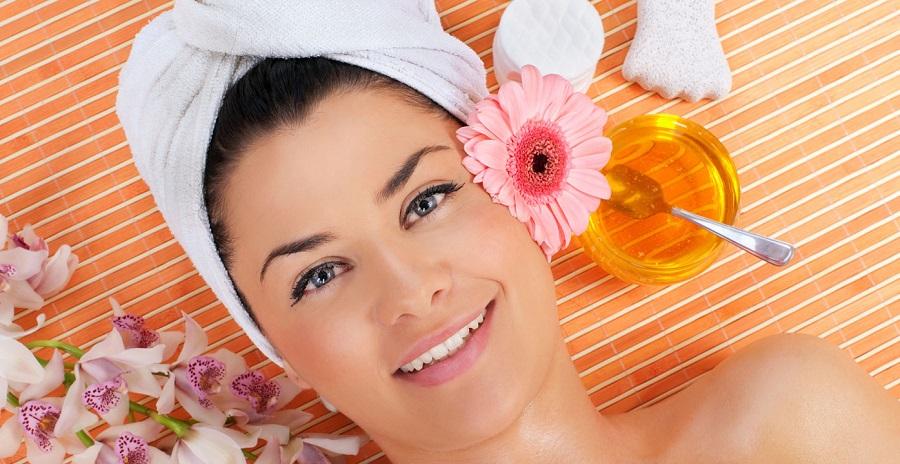 ۱۳ تا از بهترین روشهای استفاده از عسل برای درمان پوست خشک