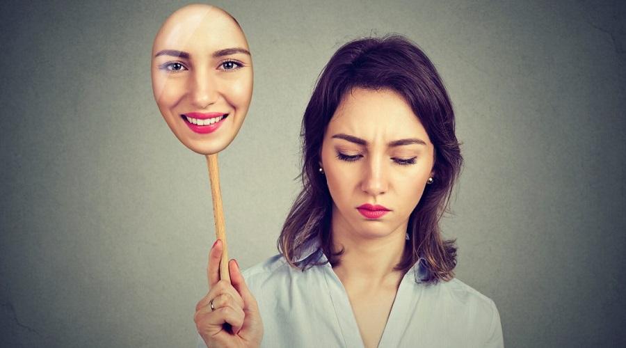 «افسردگی خندان» چیست و چطور آن را تشخیص دهیم؟