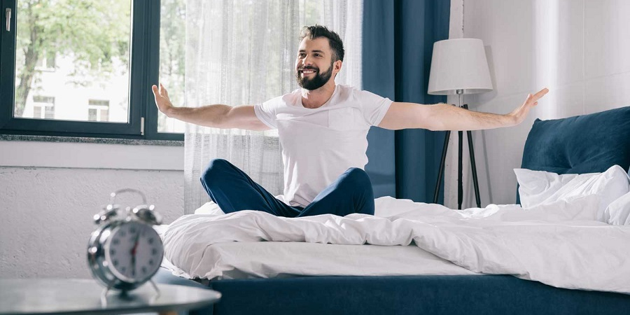 چند ورزش صبحگاهی مخصوص تنبلها که در تختخواب هم میتوانید انجامشان دهید
