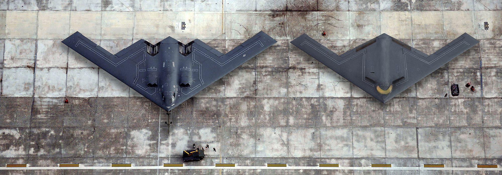 نیروی هوایی ایالات متحده و کمپانی Northrop Grumman اولین تصویر از بمب افکن پنهانکار B-21 Raider در 4 سال اخیر را منتشر کرده اند.
