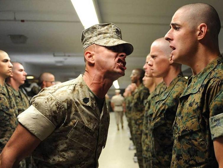وقتی که سربازان دوره خدمت سربازی خود را به پایان می رسانند اغلب به همان سبک زندگی شخصی پیش از دوران سربازی باز می گردند.